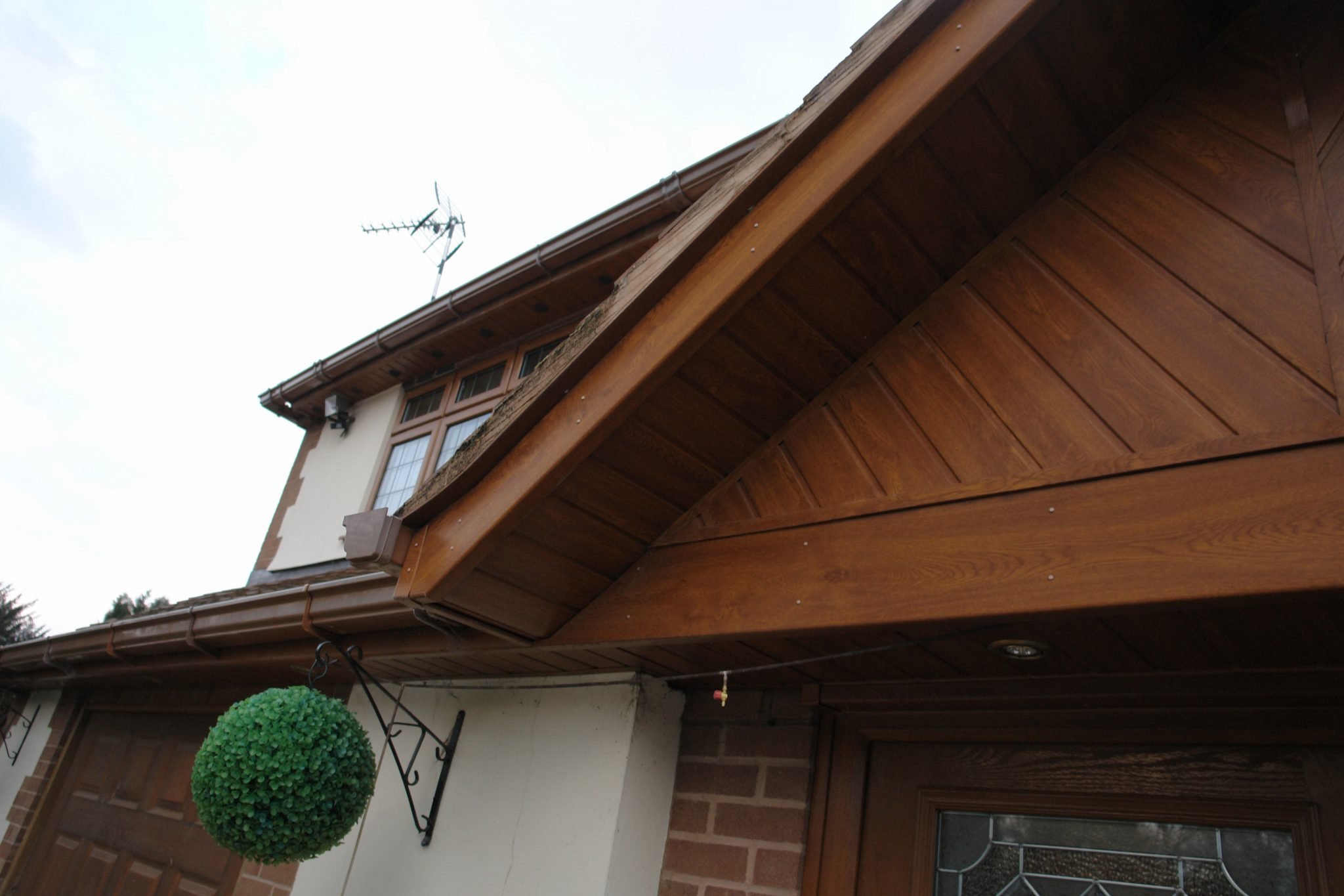 Facias-Soffits-Guttering-Installation-Windows-Are-Us (11)