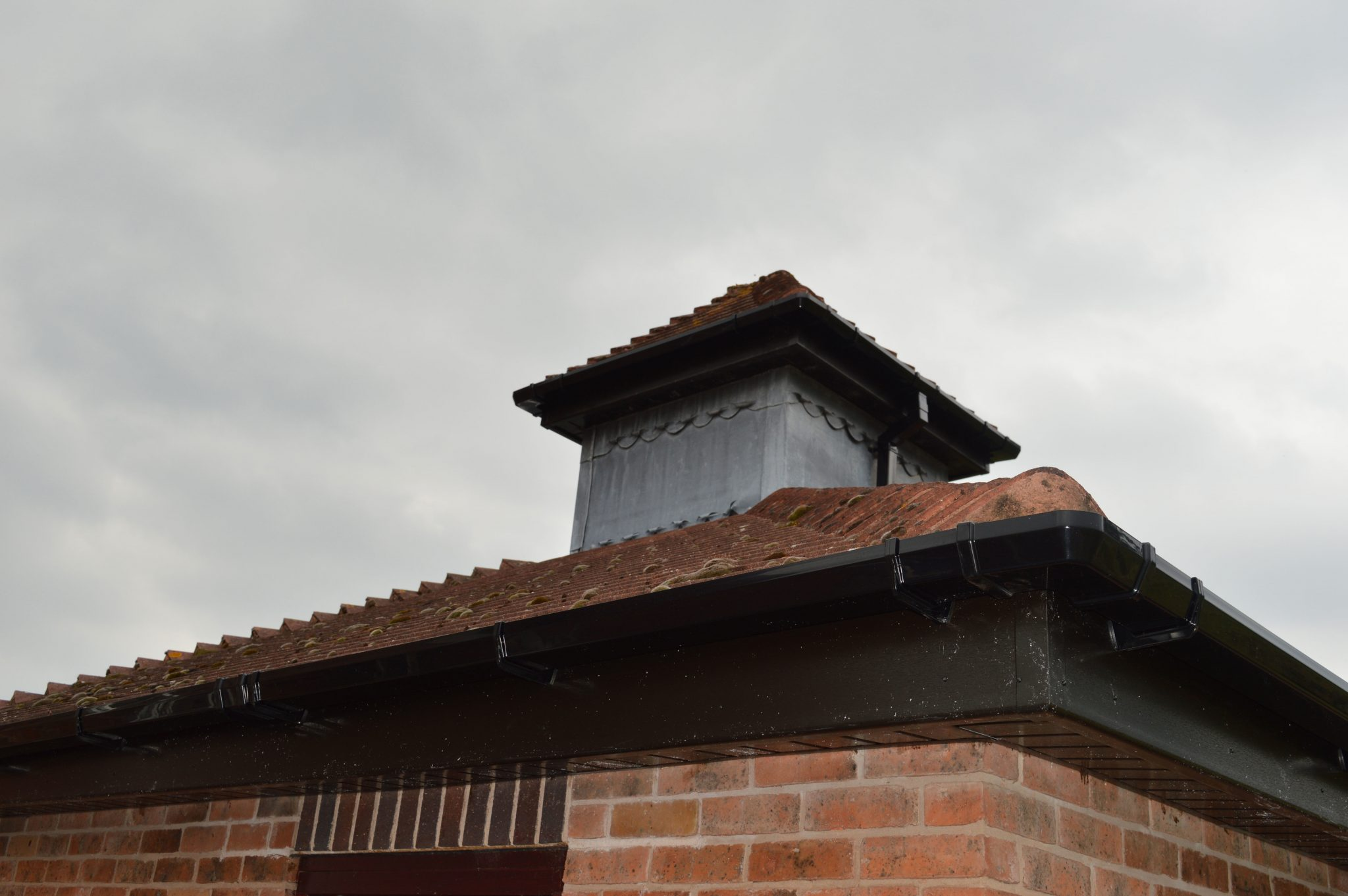 Facias-Soffits-Guttering-Installation-Windows-Are-Us (2)